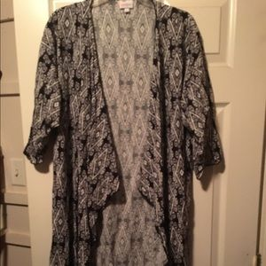 Shirley by Lularoe